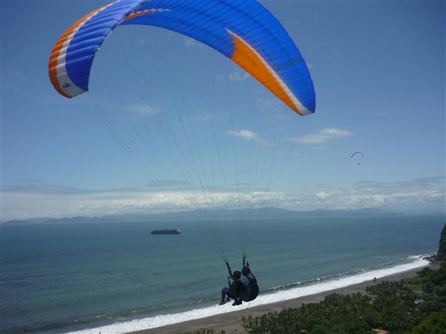 Image result for parapente costa rica caldera